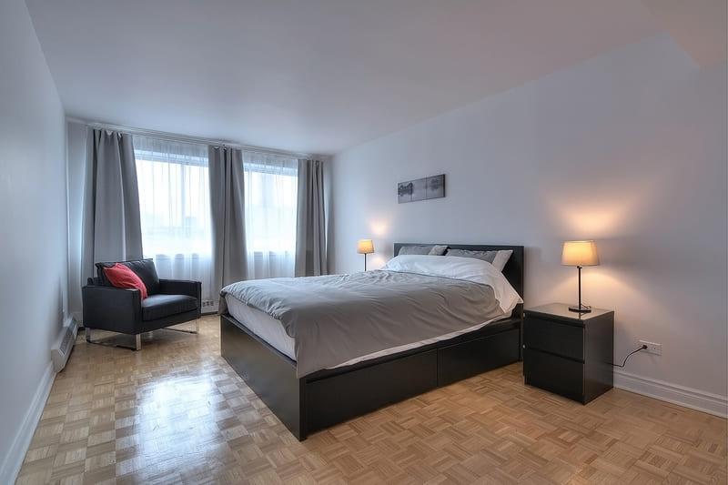 bedroom 1709